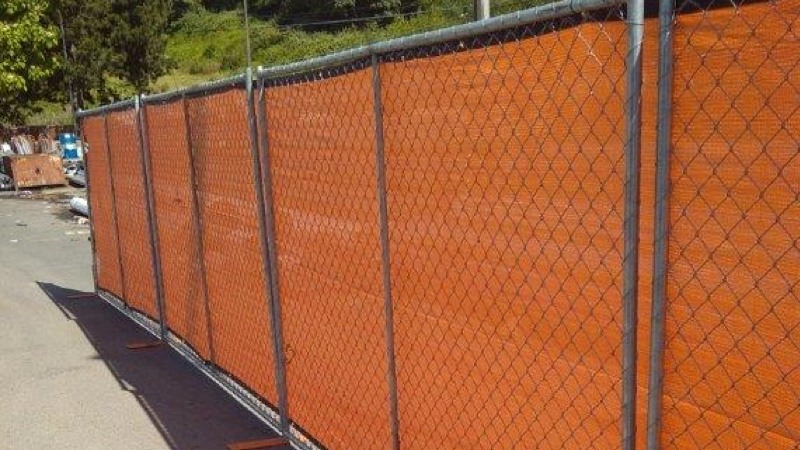 Porta-panel fencing in lot